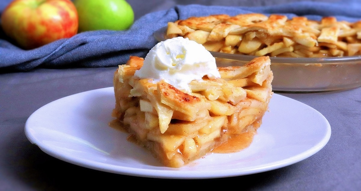 Apple Pie slice with vanilla ice cream