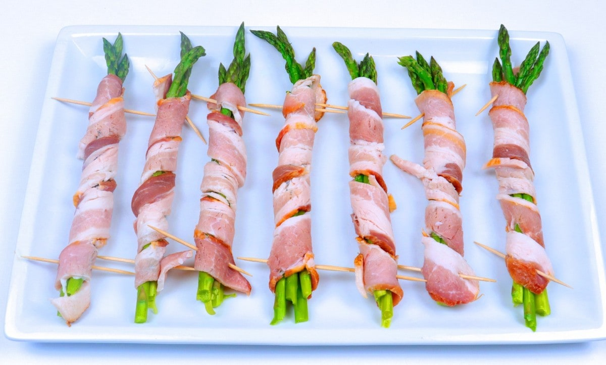 How to Wrap Asparagus