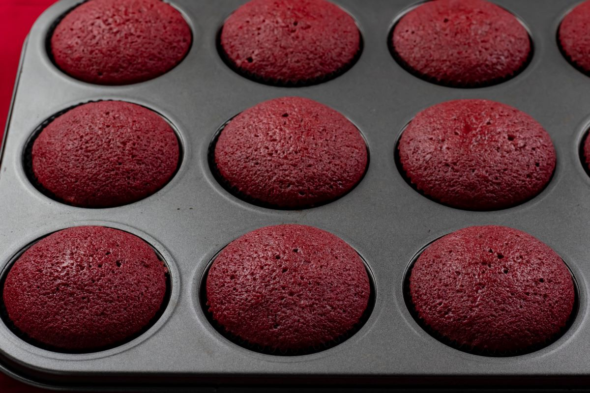 Baked Cupcakes in Pan